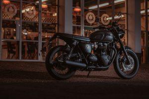 Triumph Bonneville T120 Ace 80